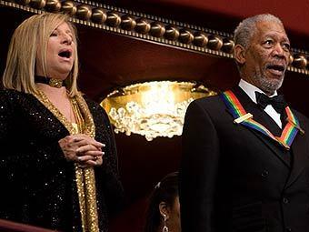 Барбара Стрейзанд і Морган Фрімен виконують гімн на церемонії вручення премії Кенеді